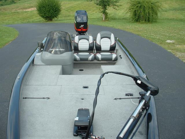 Tracker 2005 Pro Team 185 with 90hp Mercury