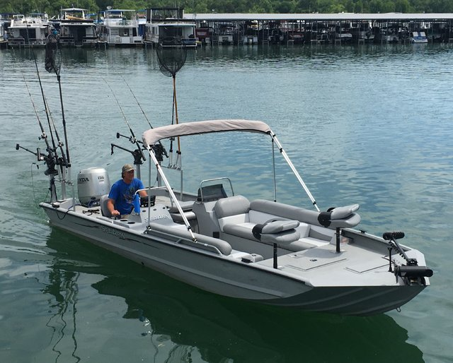 Dale hollow dave 39 s new 2016 24 ft sea ark for Easy fishing sponsors